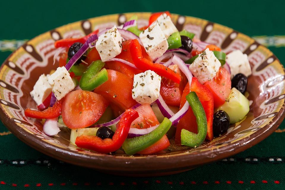 Deniz kokteyli Salata ve diğer lezzetli yemekler