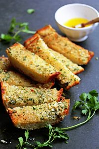Homemade-Garlic-Bread-Recipe-2