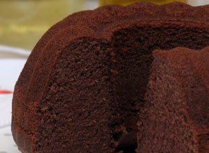 Kolay-Klasik-Kakaolu-Kek-Yapımı