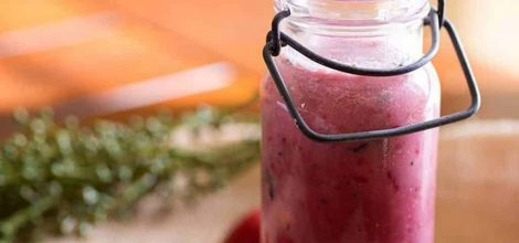 Immune-boosting-strawberry-smoothie-1024x768