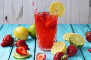 Strawberry-Lemonade-with-Lime-Landscape-v1-600x393