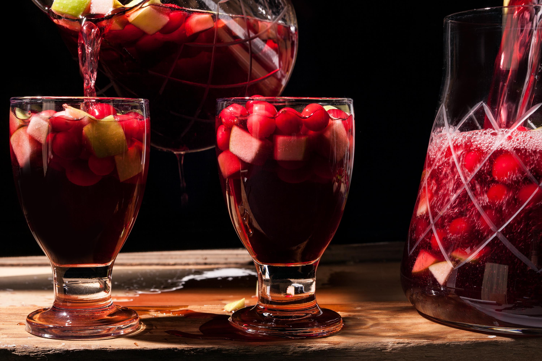 13694_RecipeImage_Spiced_Cranberry-Sangria_3000